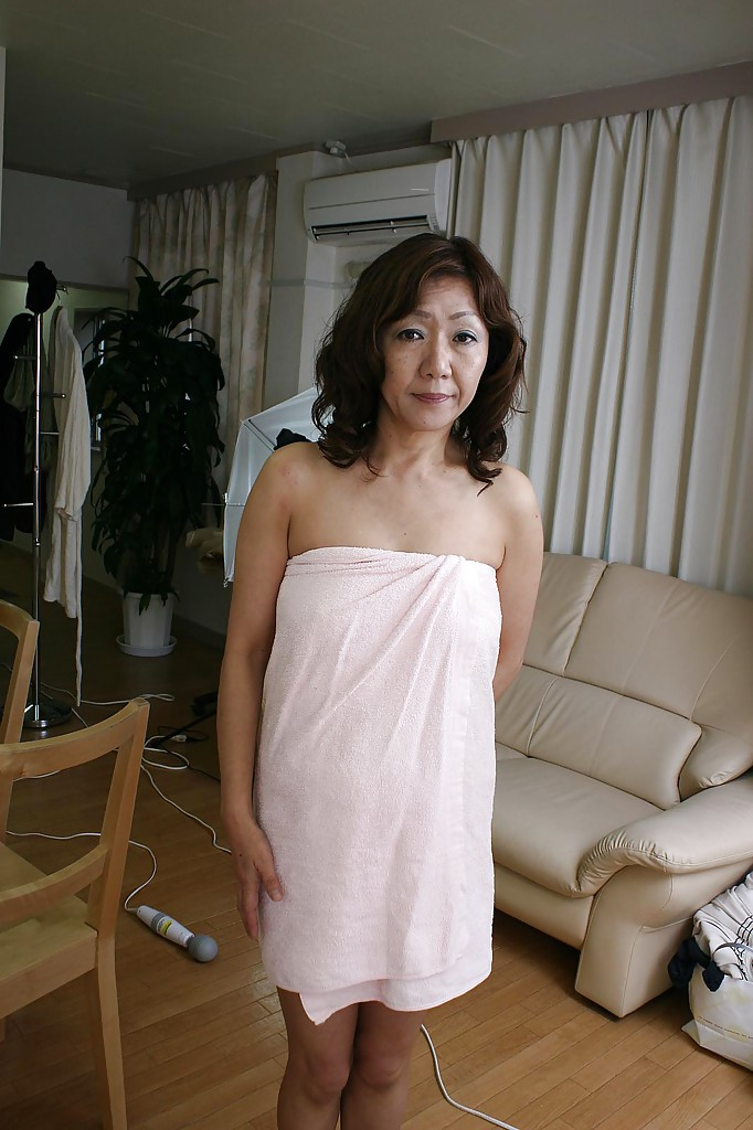 Pics and galleries Outdoor bisexual watching asian