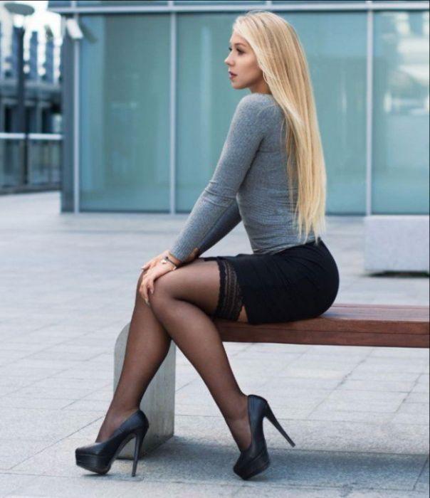 pics short skirt Girls in