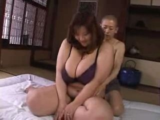 Chinese clubs naked women