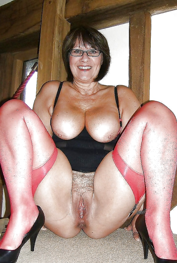 mature galleries Free pussy