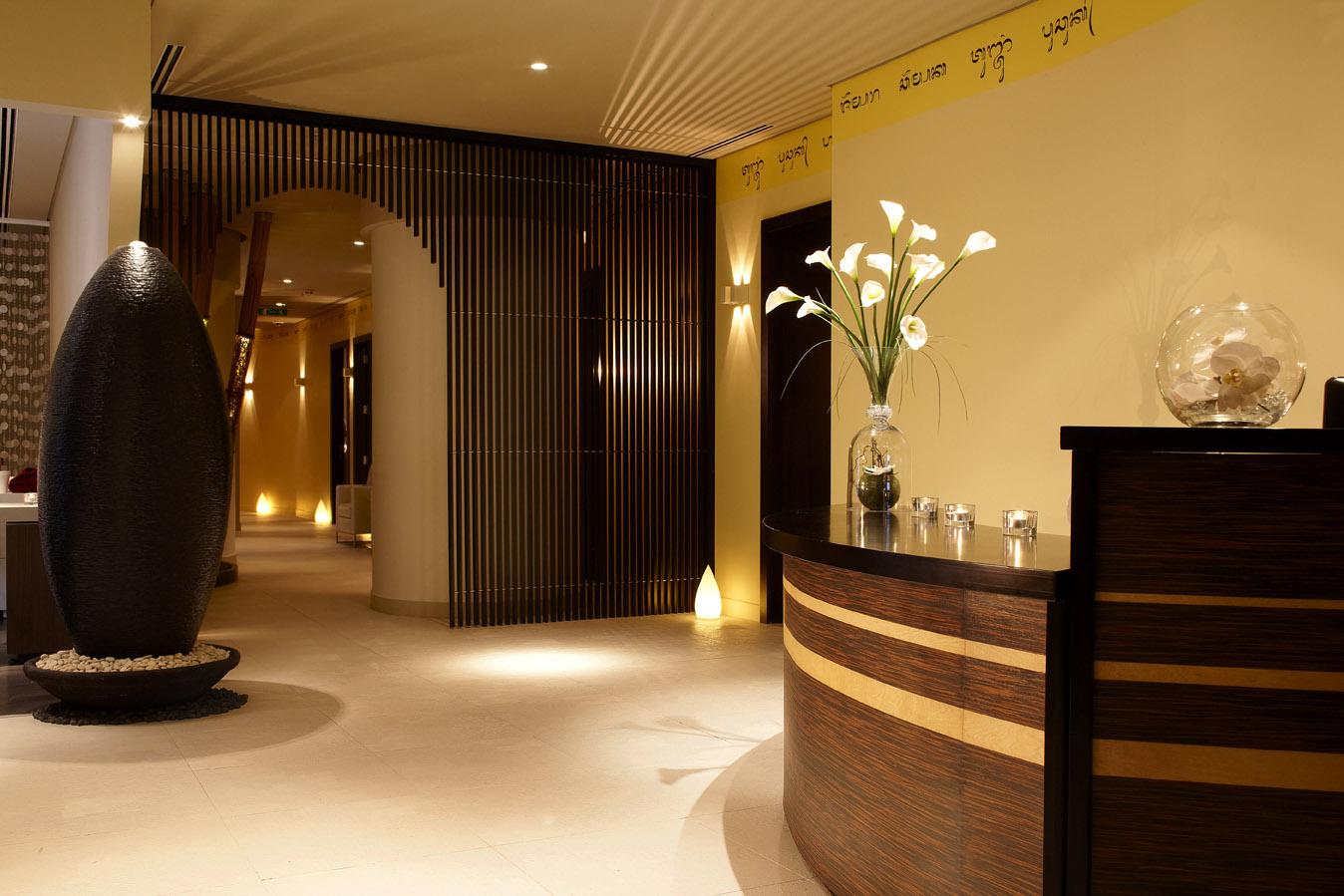 plaza lefant massage hotel near Asian