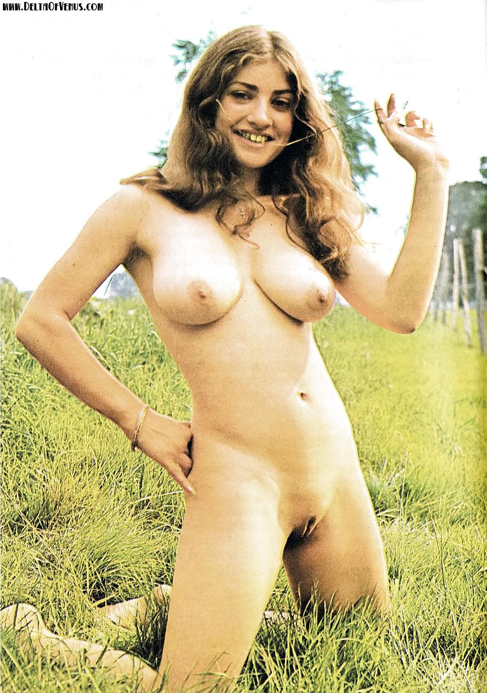 babes naked Hottest