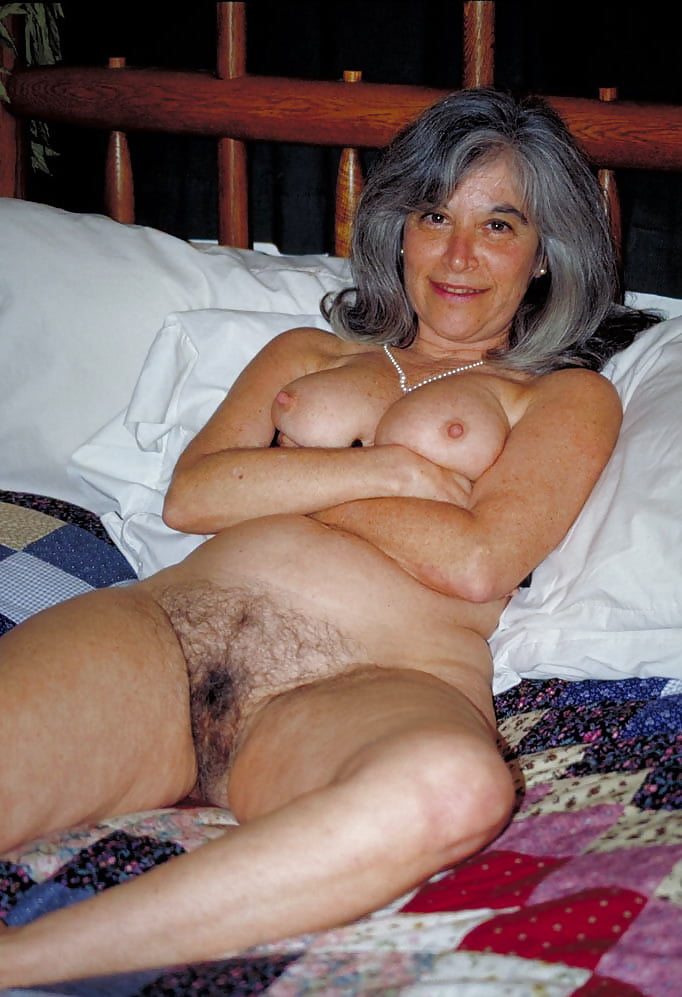 Free mature pussy galleries