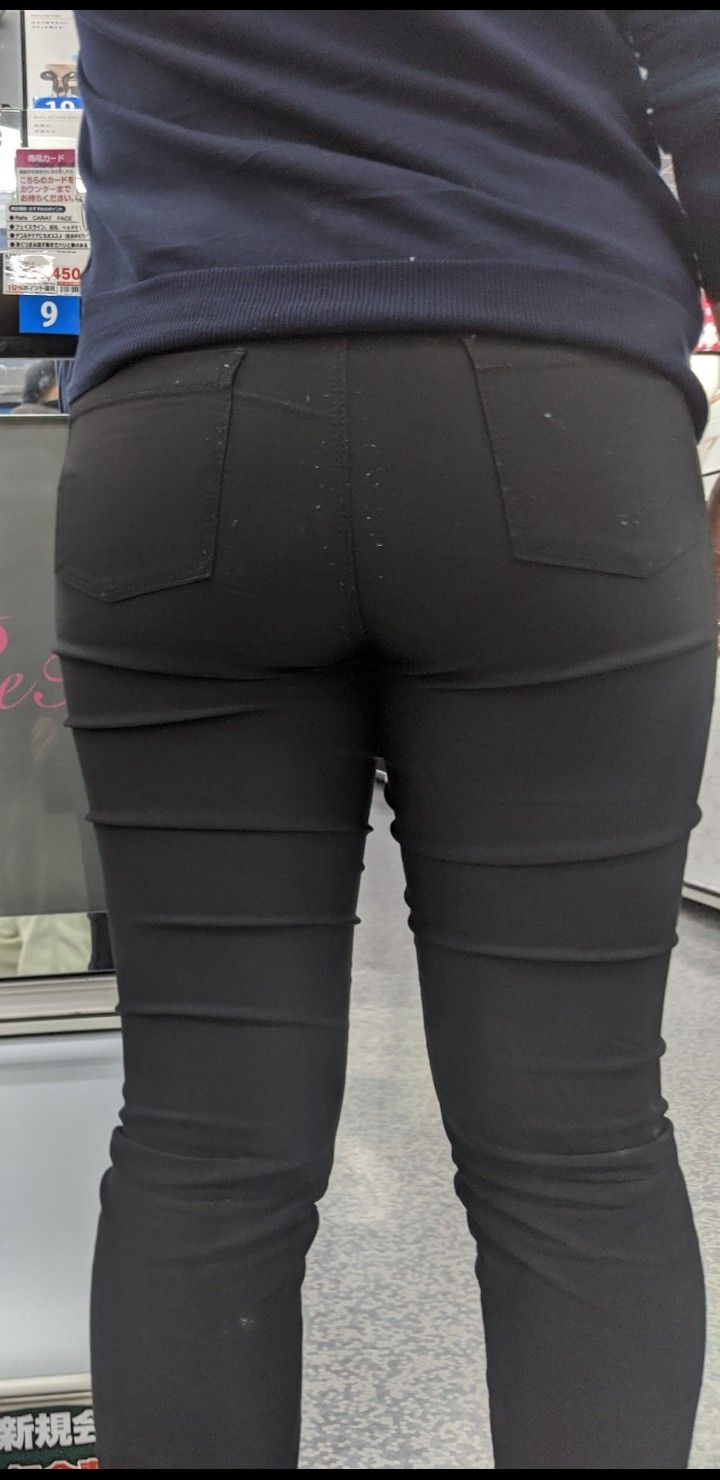 tight pants candid Asian
