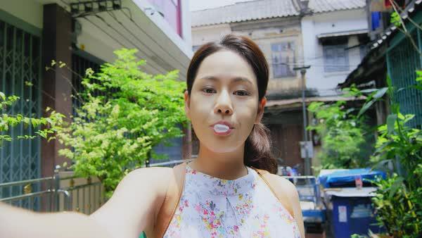 asian young POV Bubble