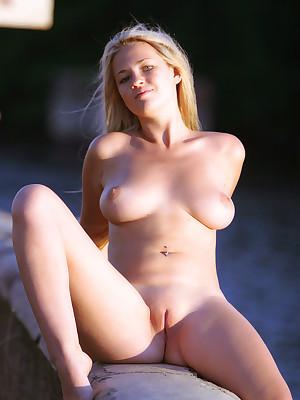 virgin booty outdoor Asian
