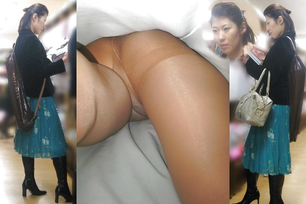upskirt Asian pantyhose