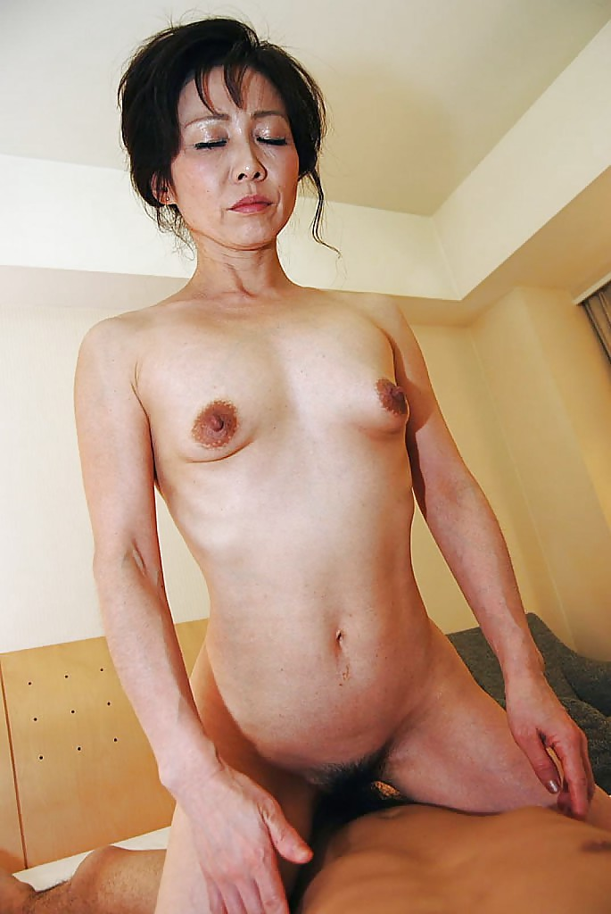 Adult videos Chinese lesbian pussy lickers