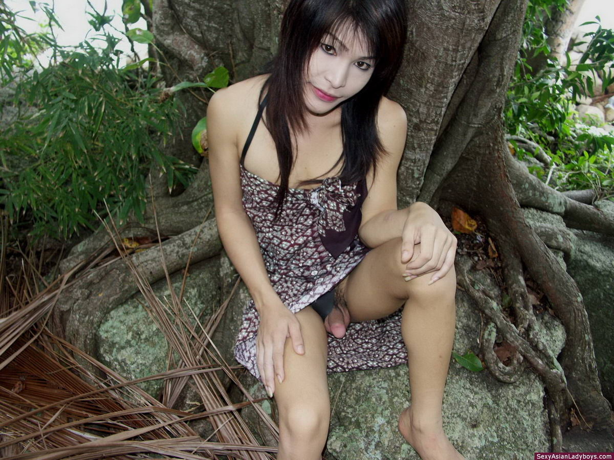 asian upskirt outdoor Cum mouth