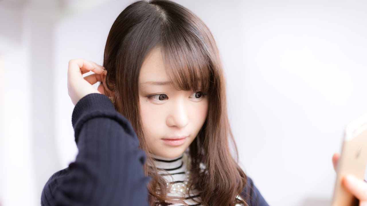 pissing Japan schoolgirl