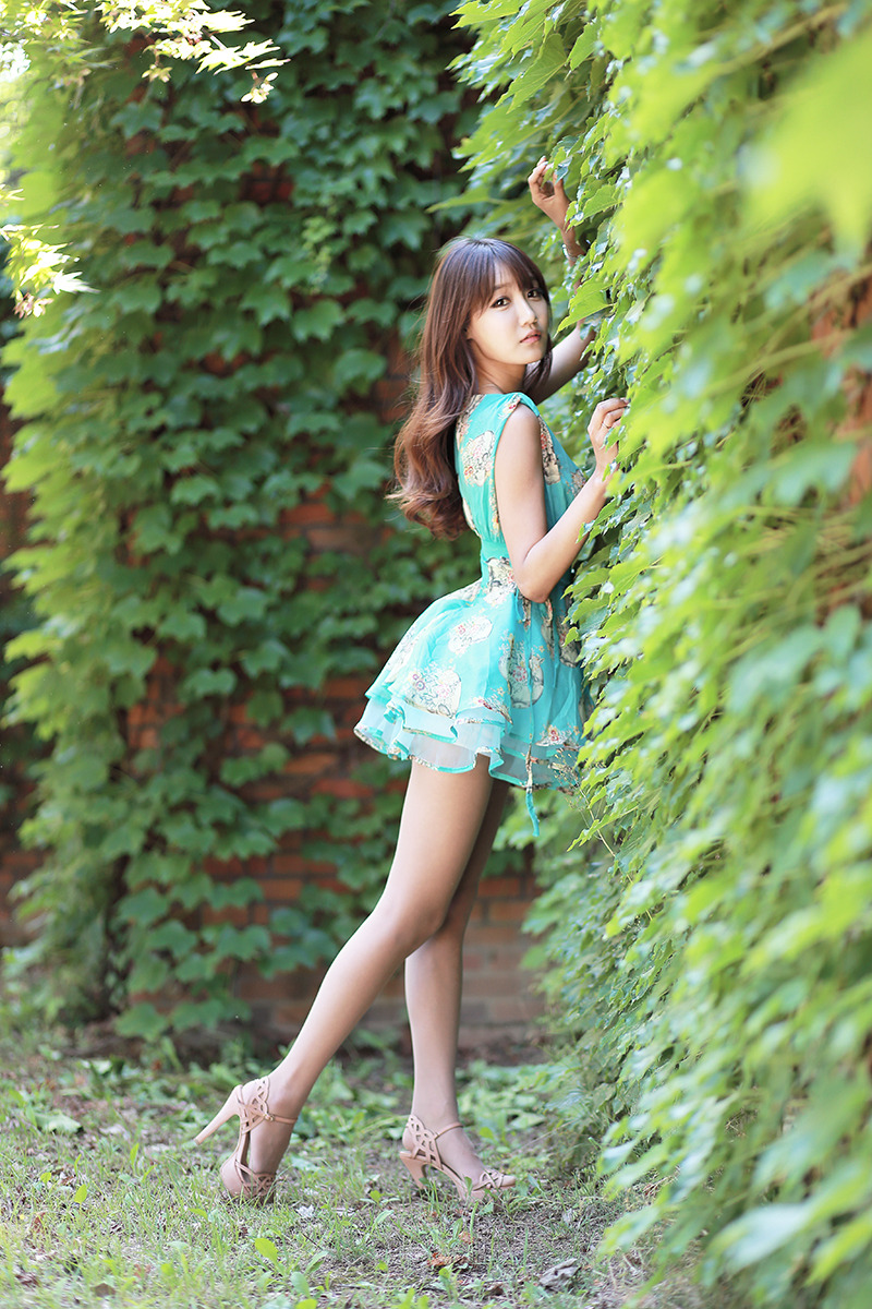 outdoor asian Young cheating